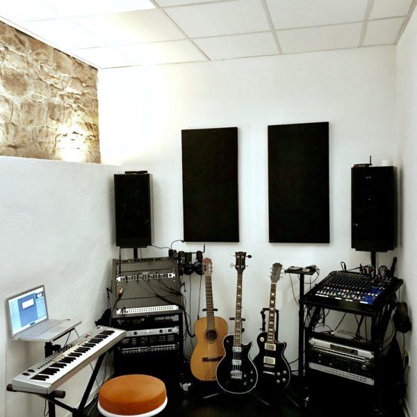 Maison Derrière Recording Room