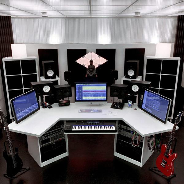 Maison Derriere Control Room