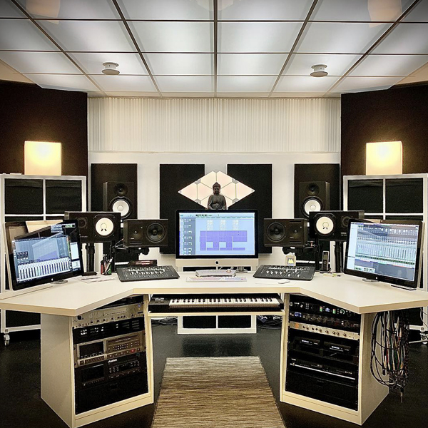 Maison-Derriere-Studio
